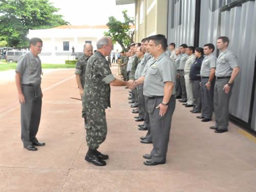 Comando do 6° Distrito Naval recebe visita do Comandante Militar do Oeste