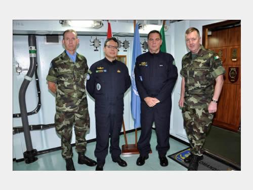 "Fragata ""Liberal"" recebe visita do Vice-Chefe do Estado-Maior do Ministério da Defesa da Irlanda"