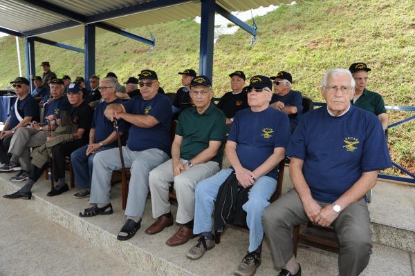 Homenagens aos pioneiros da EPCAR marcam os 65 anos da instituição