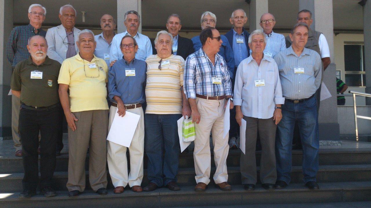 Reencontro após 50 dos antigos alunos do CPOR/RJ