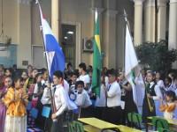 Cerimônia realizada no pátio da Escola