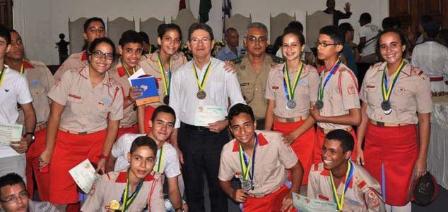 Colégio Militar de Salvador foi destaque na Olimpíada Brasileira de Física das Escolas Públicas – 2013