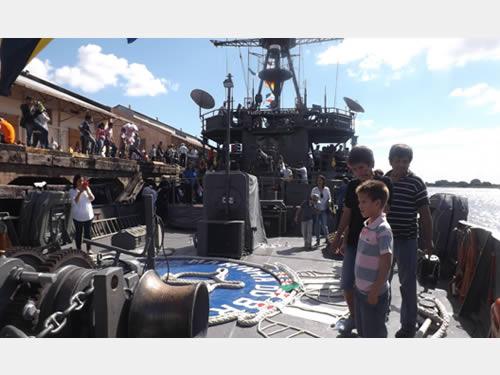 Visitação pública aos navios da Marinha do Brasil no Porto de Assunção