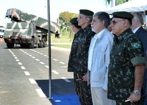 Exército recebe primeiro lote das viaturas ASTROS 2020