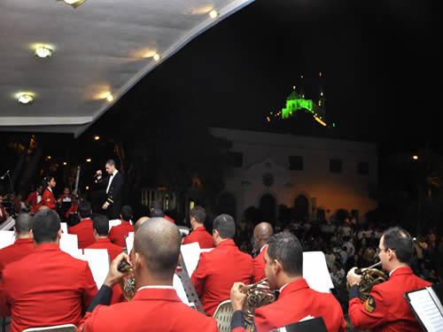 Banda Sinfônica do Corpo de Fuzileiros Navais se apresenta no Santuário da Igreja da Penha