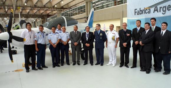Brasil contribui com programa de produção de aeronave de treinamento sul-americana
