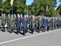 """Desfile dos militares """"boinas azuis"""", ex-integrantes de missões de paz"""
