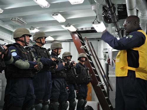 """Fragata """"Constituição"""" conclui Estágios para Operações de Paz"""