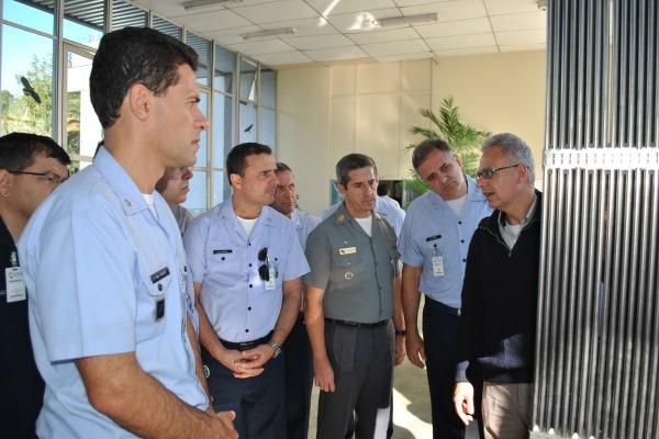 Oficiais-Alunos do CPEA visitam indústrias e instituições de alta tecnologia