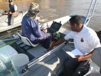 Pescador é inspecionado em Aruanã (GO)
