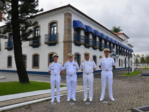 Comandante da Marinha visita o Centro de Instrução Almirante Wandenkolk