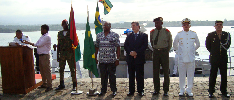 Defesa doa lancha de patrulha para Guarda Costeira de São Tomé e Príncipe