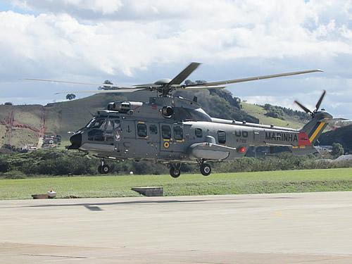 """Esquadrão HU-2 recebe duas aeronaves """"Super Cougar"""""""