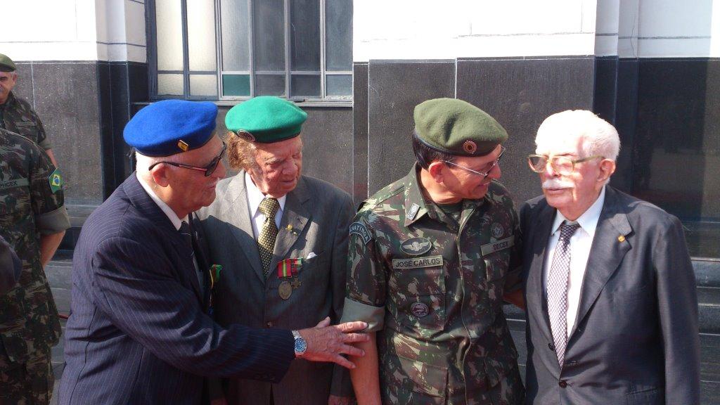 Gen Jose Carlos com os 3 veteranos