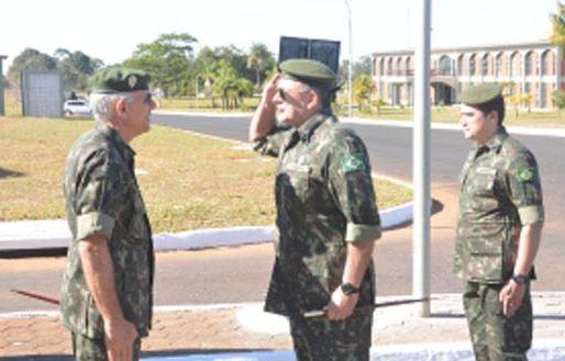 Visita do Chefe do Estado-Maior do Exército ao CCOMGEX