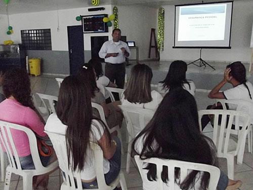 """Voluntárias """"Cisne Branco"""" – Seccional Ladário realizam Palestra sobre Segurança Pessoal"""