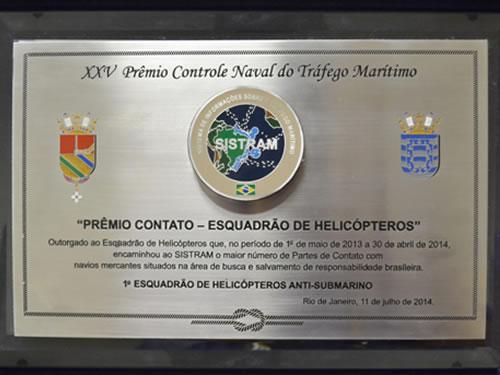 """1° Esquadrão de Helicópteros Anti-Submarino recebe """"Prêmio Contato – Esquadrão de Helicópteros"""""""
