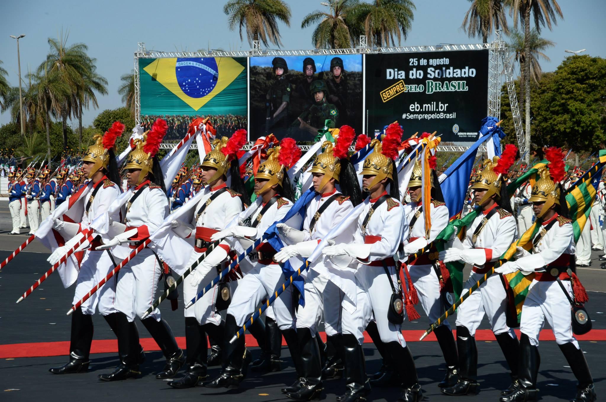Amorim participa de homenagens do Exercito pelo Dia do Soldado 5