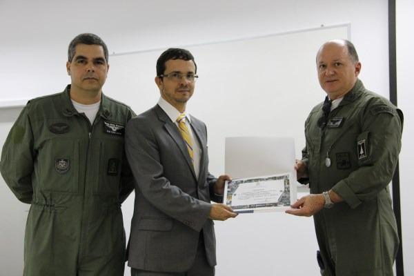 Auditor do TCU ministra palestra da Escola de Comando e Estado-Maior da Aeronáutica