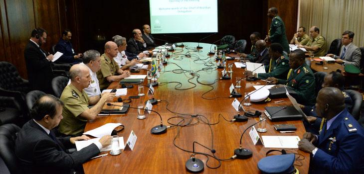 Brasil apresenta Base Industrial de Defesa para delegação da Tanzânia