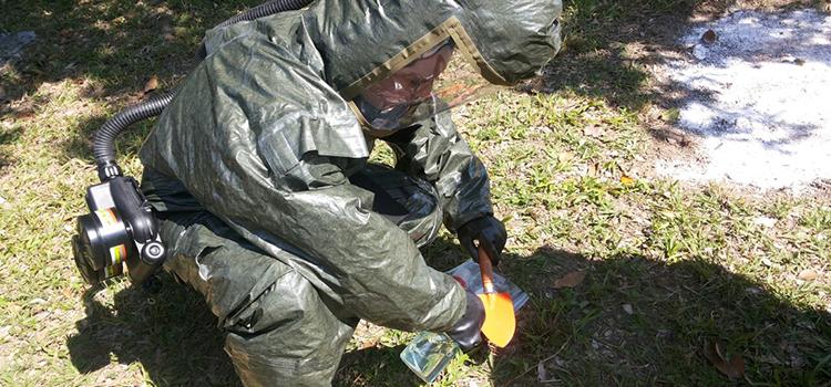 Centro Tecnológico do Exército abriga treinamento contra acidentes químicos