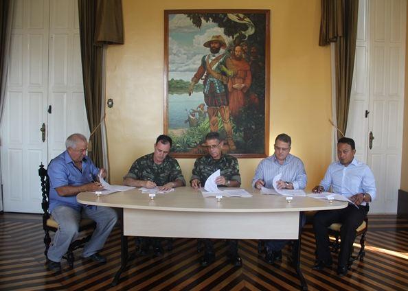 Comando Militar do Norte assina contratos 1
