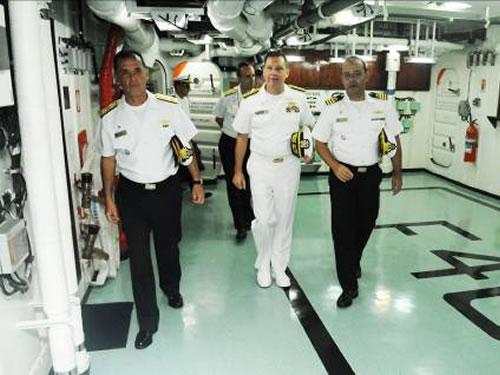 Comitiva da 4ª Esquadra da Marinha dos EUA visita o Comando-em-Chefe da Esquadra