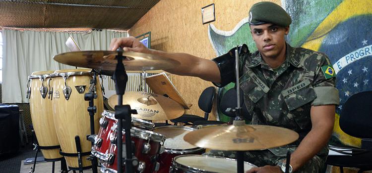 Dia do Soldado conheca a rotina dos jovens 4
