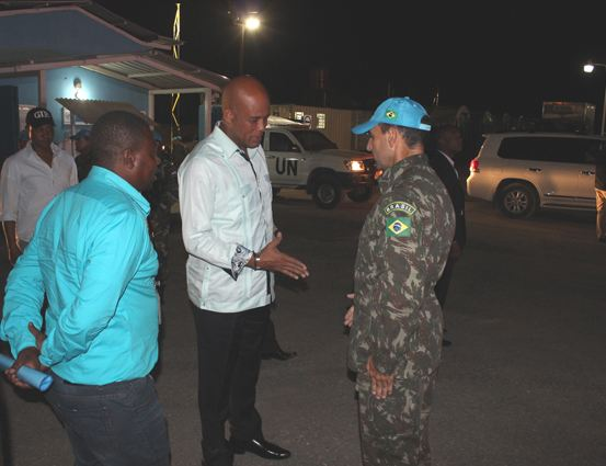 Presidente do Haiti inaugura Esquina da Amizade na Base General Bacellar