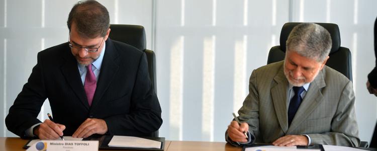 Defesa oficializa acordo com TSE para eleições de 2014