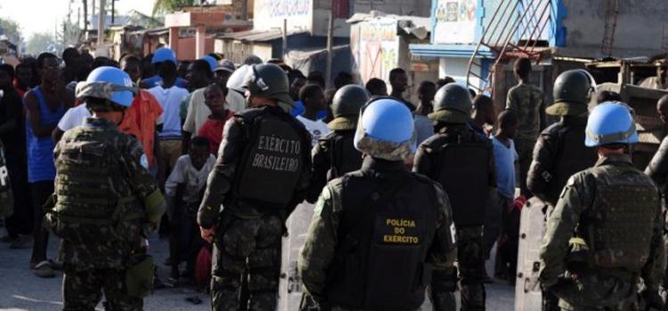 Fuzileiros no Haiti 2