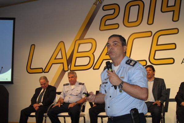 Militar da FAB recebe homenagem pelo trabalho realizado durante a Copa 3
