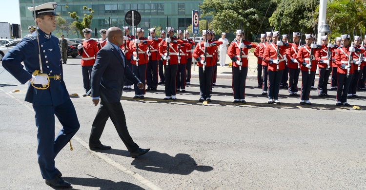 Brasil ajudará a fortalecer Força Naval do Suriname