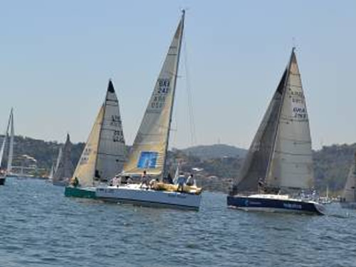 42ª Regata a Vela do Centro de Instrução Almirante Graça Aranha é disputada no Clube Naval Charitas