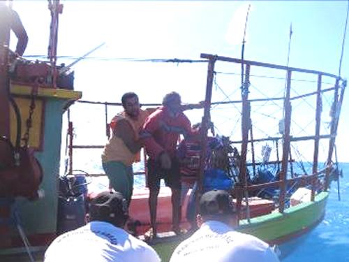 Agência da Capitania dos Portos do Ceará em Aracati realiza resgate de náufragos
