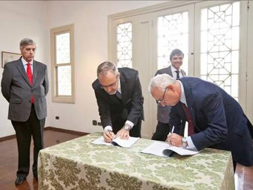 Amazul e FDTE assinam acordo de parceria para o programa do submarino nuclear