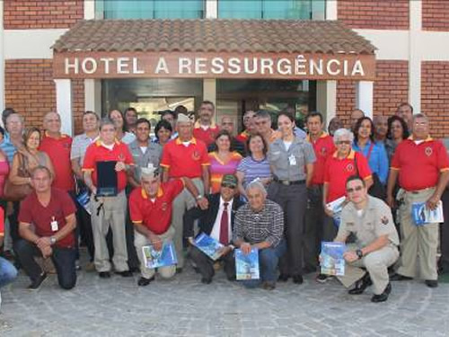 Militares e esposas no Hotel Ressurgência