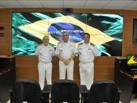 Comandante de Operações Navais (esq.), Comandante de Marinha (centro) e Comandante do COMCONTRAM (dir.)