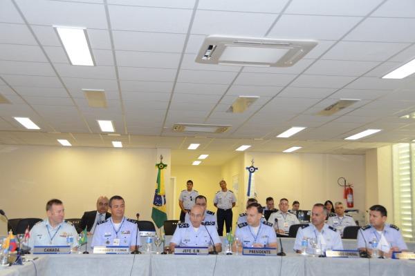 Em Salvador, forças aéreas americanas discutem atualização de manuais operacionais