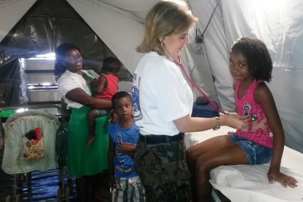 FAB realiza mais de 800 atendimentos para moradores de comunidade carente no RJ