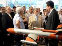 Industria de Defesa deve aumentar exportacoes em 2014 1