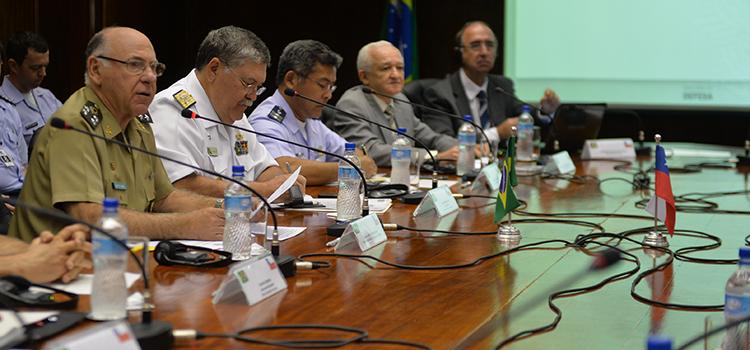 Parceria vai alavancar indústria de defesa no Brasil e no Chile