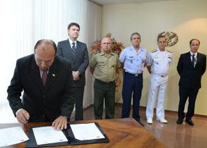 Satélite de comunicação e defesa brasileiro será lançado em 2016