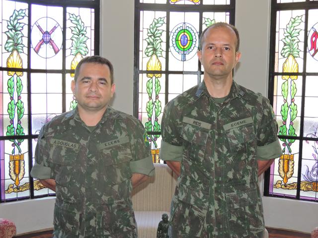 Um exemplo – Tenente-Coronel Reis e Major A. Douglas