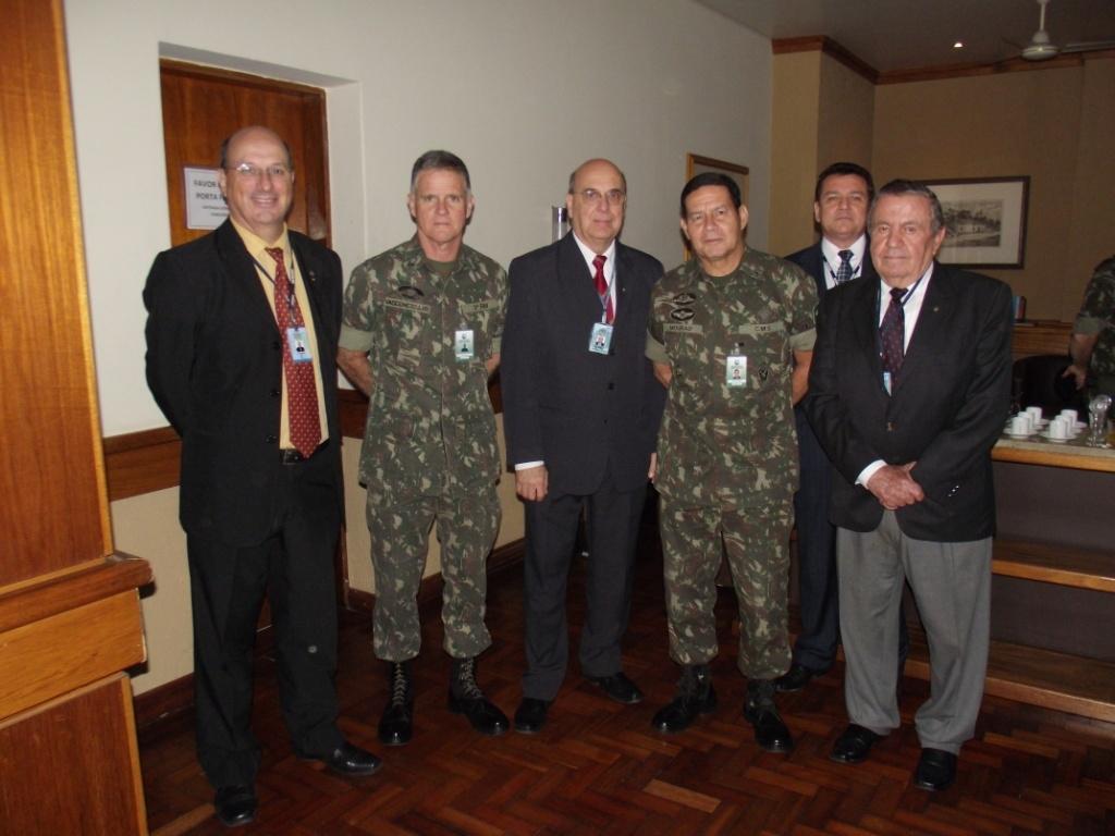 Cel Petry, Gen Vasconcelos, Dr. Marc, Gen Mourão e Cel Ceratti