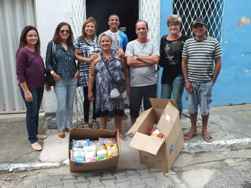 """Voluntárias """"Cisne Branco"""" realizam entrega de Cestas Básicas no Recife"""