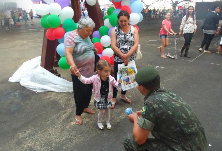 """3° Grupo de Artilharia Antiaérea """"Grupo Conde de Caxias"""" – Festa do Dia da Criança 2014"""
