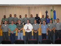 Militares da CPES e representantes da empresa Det Norske Veritas Certificadora Ltda