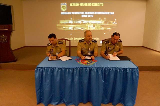 Centro de Doutrina do Exército realiza Reunião de Contrato de Objetivos Doutrinários de 2014