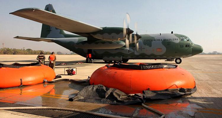 Defesa envia aeronaves para combate a incêndio na região serrana do Rio